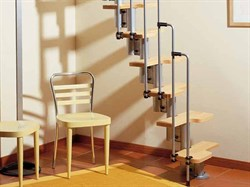 Малогабаритная модульная интерьерная лестница Arke Karina