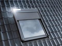 Энергосберегающие жалюзи VELUX SSL Premium на солнечной батарее Solar